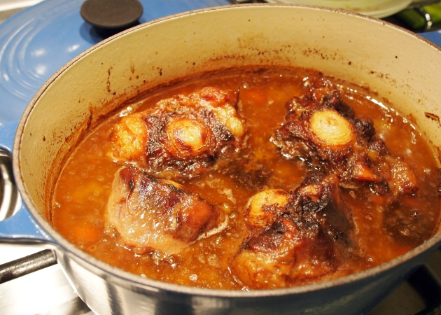 Oxtails cooked in five spice sauce