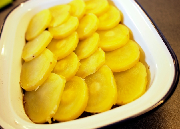 Sliced potato topping